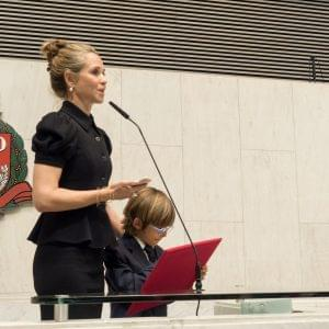 Patrícia Villela Marino receives Human Rights Award at the Legislative Assembly of São Paulo