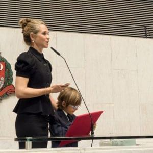 Patrícia Villela Marino recebe prêmio de direitos humanos na Assembléia Legislativa de SP