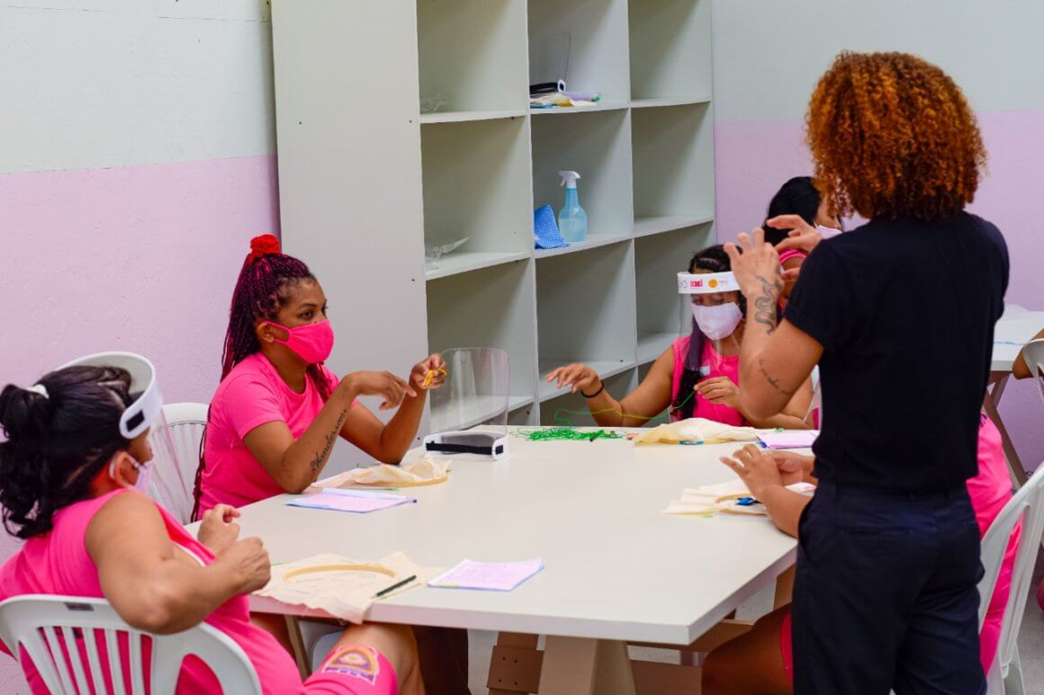 Detentas do Maranhão formam cooperativa para criação de peças artesanais – Folha de S Paulo – 21/08/2020